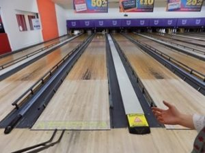 ten pin bowling alley