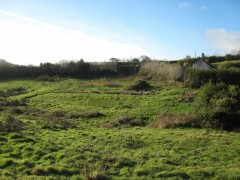 In-field earthwork remains of platforms and enclosures of possible medieval date.