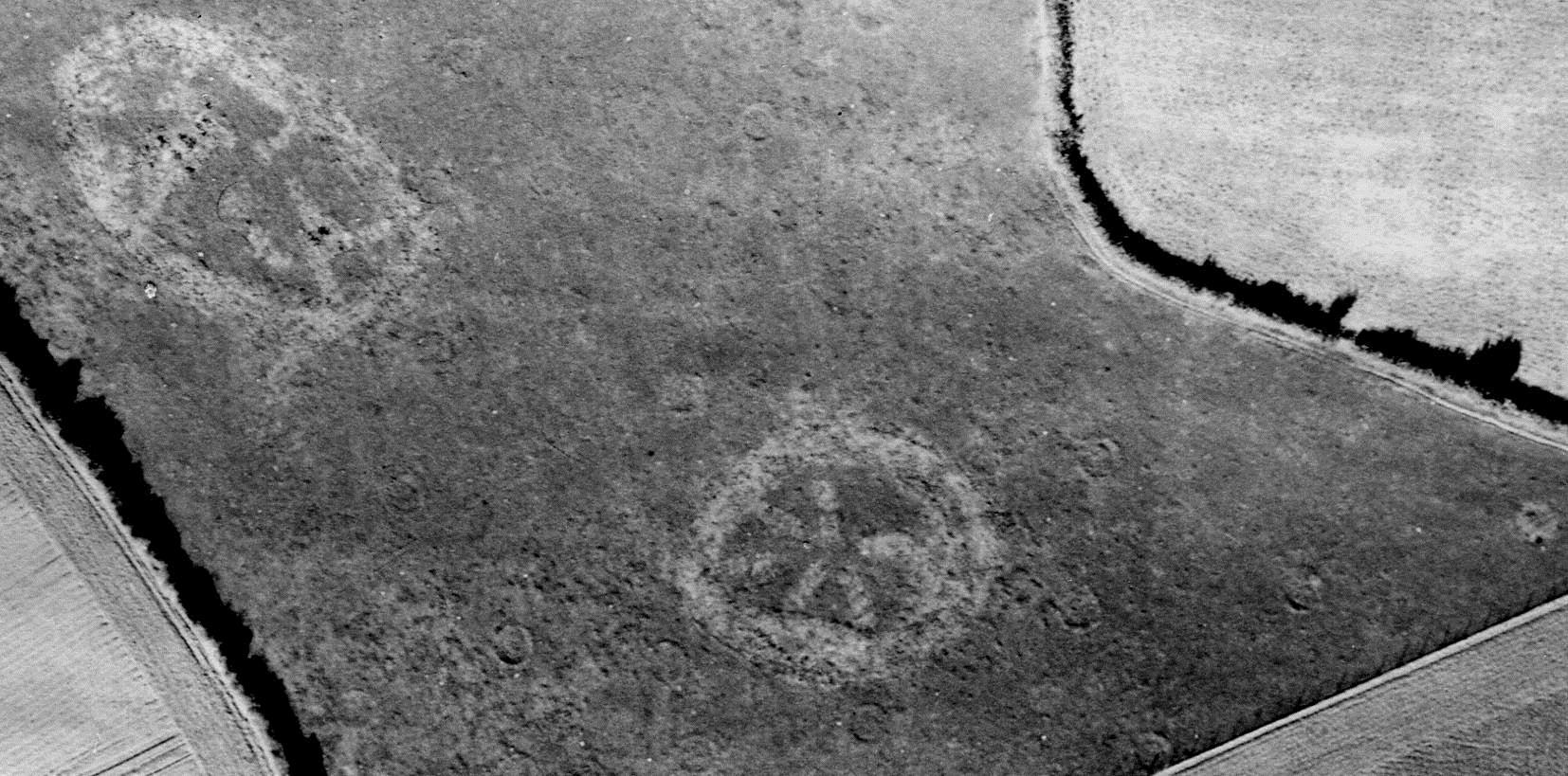 Second World War 'Starfish' Bombing Decoy at Ide. RAF/106G/UK/865 RVp1 6056 30-SEP-1945 Historic England (RAF Photography).