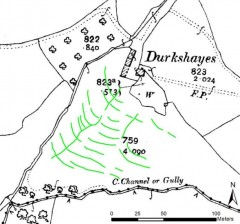 Curving lined showing the conjoined ditches of a hillside watermeadow; numerous parallel curving ditches across the contour are perpendicular to two that run downslope. This is overlain on a historic map that depicts Durkshayes Farm buildings.