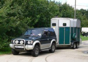 4 x 4v vehicle towing a horse box