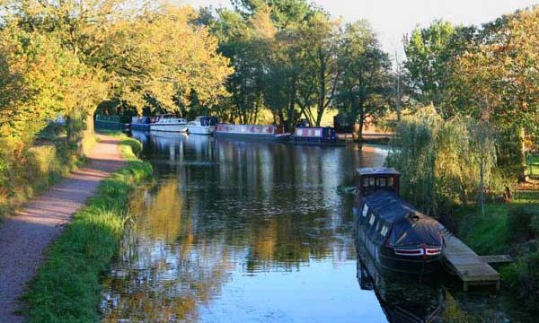 Boats at Orchard Farm Moorings, next to East Manley Bridge