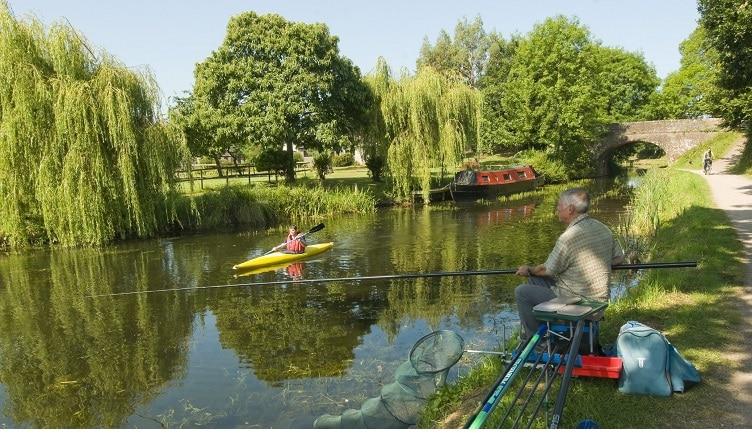 Canal activities near East Manley Bridge (John Morton)