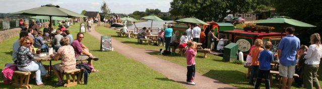 Ducks Ditty Floating Cafe-Bar