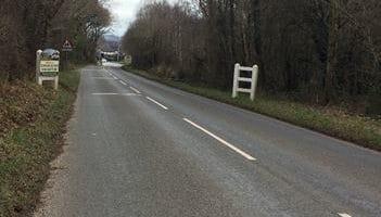 road leading into Hennock